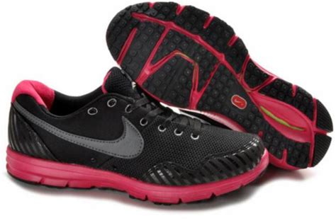 shoes for pink and black nike pink and black shoes 16 cool wallpaper