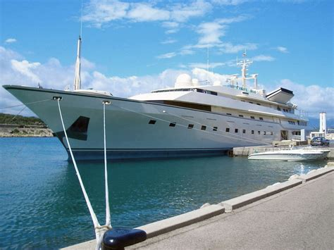 donald trump yacht the gallery for gt adnan khashoggi yacht