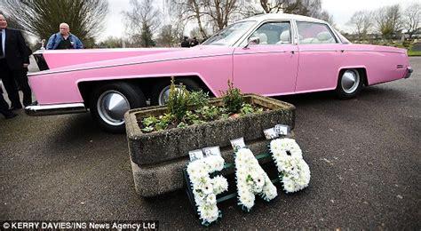 Fab 1 Rolls Royce Penelope S Pink Rolls Royce Fab 1 Was In Attendance