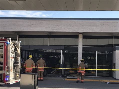 great western bank in lincoln ne vehicle hits great western bank 3 injured 911 news