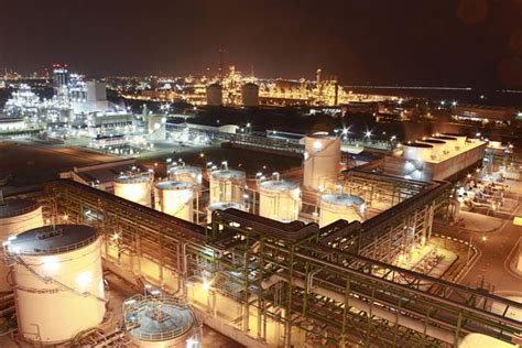 Refinery Operator by Experiences With Operator Simulators In A Refinery Simulate Live