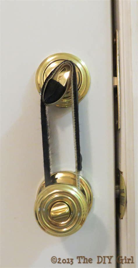 Install Door Knob With Lock by Diy Grip Lock For Deadbolt The Diy