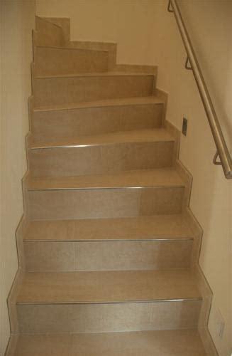 treppen fliesen verlegen auf treppe fliesen verlegen heimdesign innenarchitektur