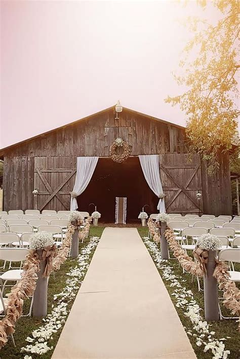 45 Romantic Barn Wedding Decorations   Wedding Ideas