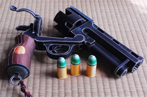 Pistol Papercraft - papercraft of hellboy s revolver neatorama