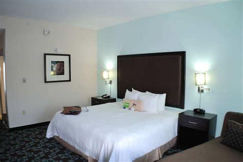 Cheap Rooms At Opryland Hotel by Hton Inn Suites Nashville Opryland In Nashville