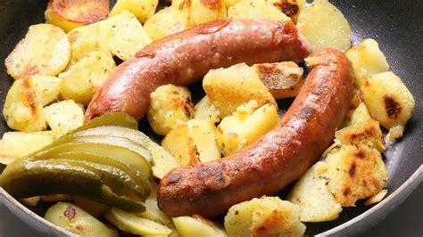 come cucinare le salsicce di pollo salsicce di pollo e patate in umido ricette bimby