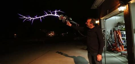 Tesla Coil Launcher This Tesla Coil Gun Is An Inspiration Taken From