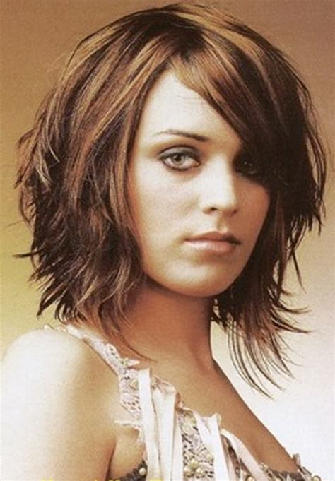cute shoulder length haircuts longer in front and shorter in back medium length layered hairstyles 2015