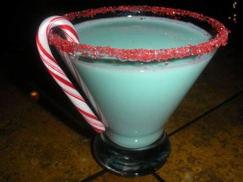 the grinch christmas cocktail adult beverages pinterest