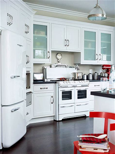 White Appliances {yes, you can}   The Inspired Room