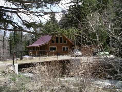 Rental Cabins In Idaho by Charming Mountain Log Cabin On The Creek