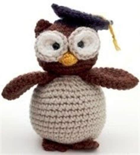free crochet pattern amigurumi graduation owl free amigurumi patterns graduation owl
