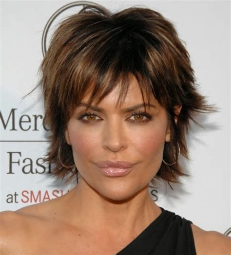 lisa rinna long layered hair layered chin length hairstyles hairstyles