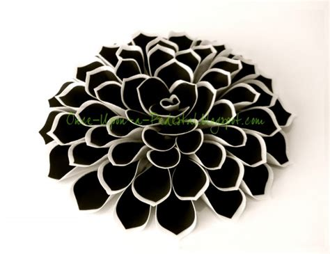 Instan 2 Faces Laser Cutting Qoral flower from wafer paper and frosting sheets