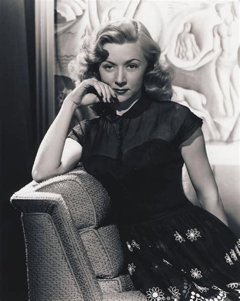 Beauty Lurking in the Shadows   Women of Film Noir
