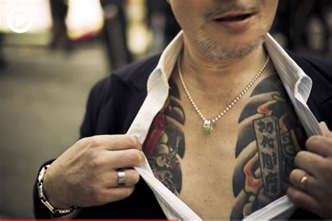 yakuza kill tattoo within the underworld photographer spends 2 years inside