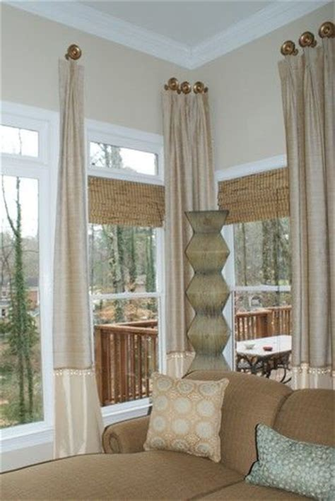 stick on window covering 1000 ideas about corner window treatments on