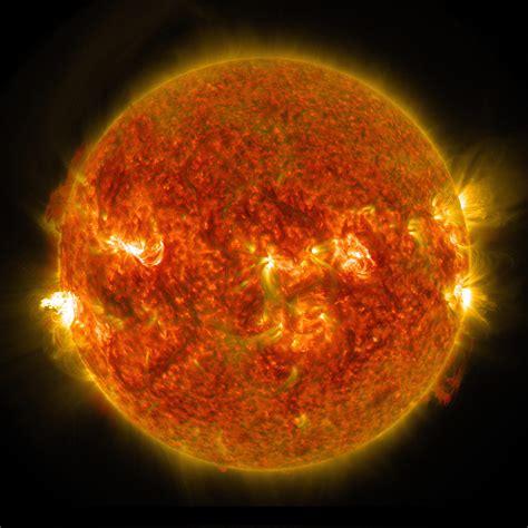 Solar Flare Detox Center by Solar Dynamics Observatory Captures Images Of Recent M5