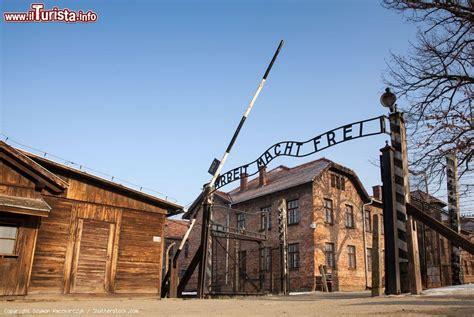 ingresso auschwitz l ingresso co di concentramento nazista foto
