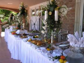 an impression way to apply the buffet decorating ideas