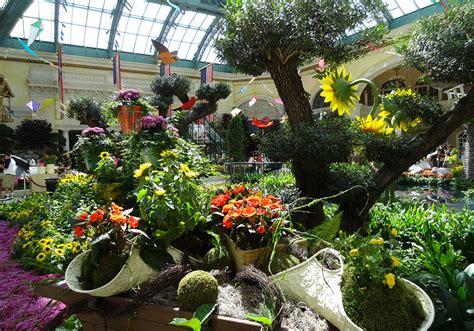 Bellagio Flower Garden Photos Of Bellagio Conservatory Botanical Gardens Summer Celebration 2013 Las Vegas Top Picks
