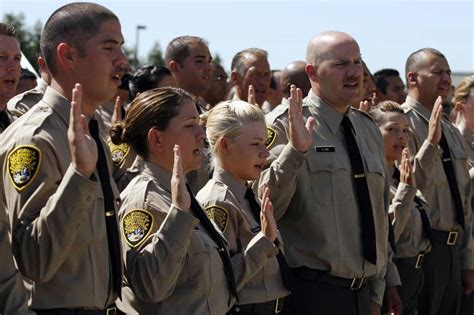 Correctional Officer Salary In Ca by How To Become A California Correctional Officer The