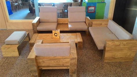 Diy Living Room Furniture by Diy Reclaimed Wood Furniture Project Diy And Crafts