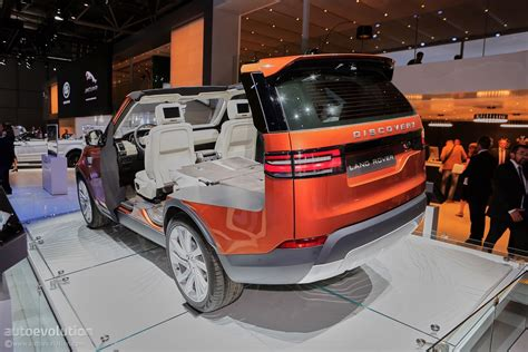 land rover small 2017 land rover discovery gets consumer reports thumbs up