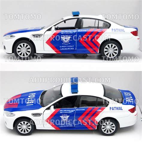 Premium Diecast Miniatur Reflika Mobil Patwal Polisi Indonesia Lamborg jual diecast bmw miniatur mobil patwal pjr polantas lantas polisi indonesia mobil mobilan