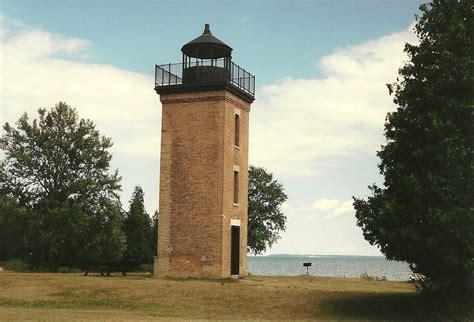 al s lighthouses michigan peninsula point lighthouse