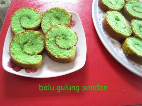 membuat bolu gulung dengan happy call dewi kitchen bolu gulung pandan