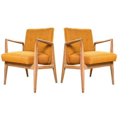 pair  jens risom arm chairs  stdibs