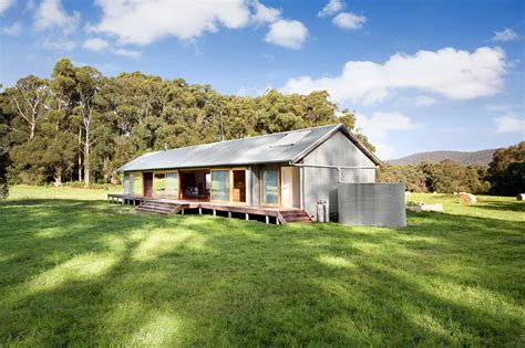 australian farm house plans modern wool shed pays homage to iconic australian architecture