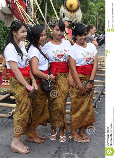 beautiful balinese women  years eve nyepibali