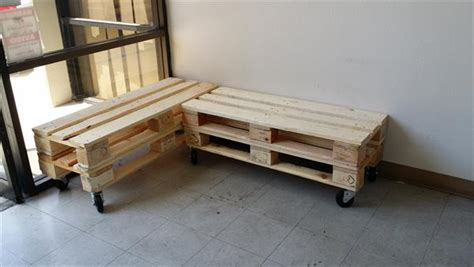 How To Make A Banquette Bench L Shaped Pallet Wood Bench 101 Pallets