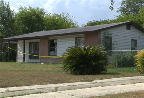 illegals found in tx stash house stripped to