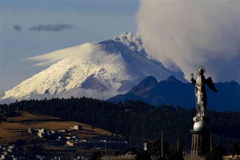 imagenes satelitales volcan cotopaxi el cotopaxi mantiene su actividad interna alta la
