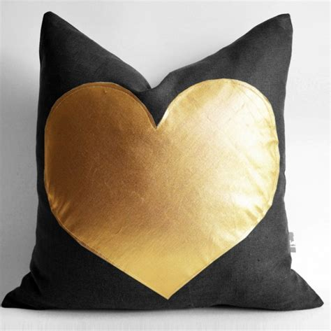 Different Pillow Designs by 27 Adorable Pillow Ideas To Add That X Factor To Your