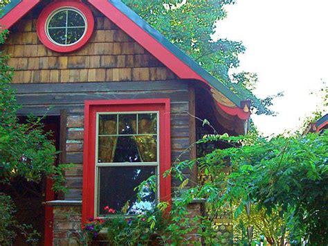 Portland Cottages by The Cottages Portland Garden Cottages