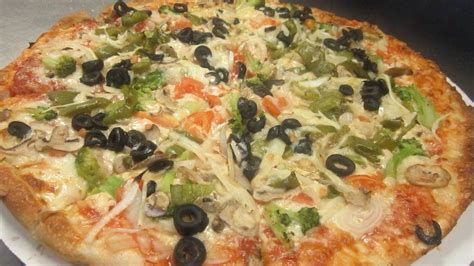 Beverly House Of Pizza 33 Reviews Pizza 24 Cabot St Beverly Ma Verenigde