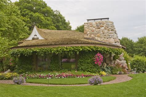 Michigan Stones Houses Thatched Roof Coolest Houses Earl Young Hobbit Houses