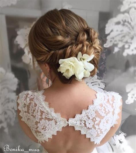 Wedding Hair Updo With Flower by Top 20 Wedding Hairstyles For Medium Hair