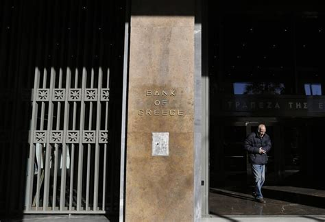 greece resumes protracted bailout talks with lenders 15