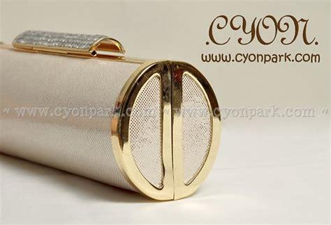 Tas Pesta Handbag Clutch Satin Bulat Gold Purple 003 clutch launch today butik shop tas pesta