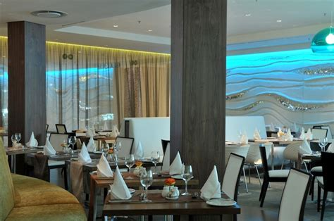 Kitchen Bar Rosebank Fresh Restaurant At Crowne Plaza Restaurant In