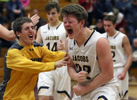 high school sectionals high school boys basketball jacobs fights off hononegah