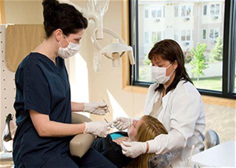 Dental Assistant Working by Dental Assistants Occupational Outlook Handbook U S Bureau Of Labor Statistics