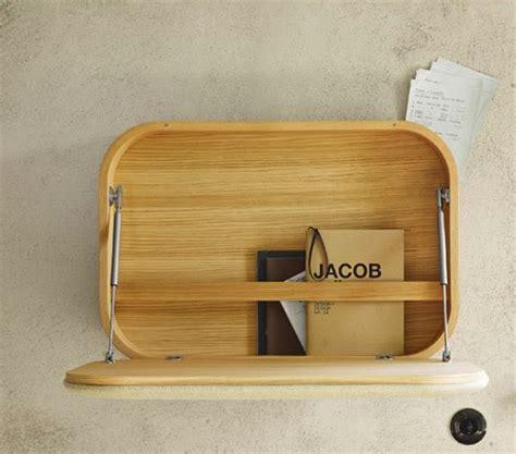 gambar desain lemari buku minimalis sekaligus meja belajar dinding