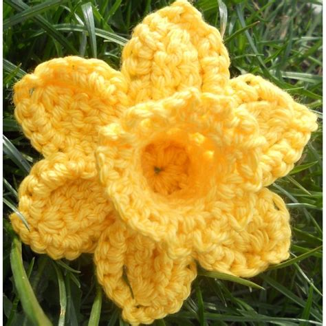 pattern crochet daffodil daffodil for marie curie cancer care appeal